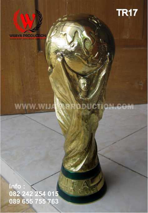 Piala Bergilir Sepakbola Eksklusif