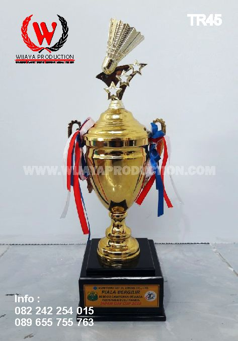 Piala Custom Badminton